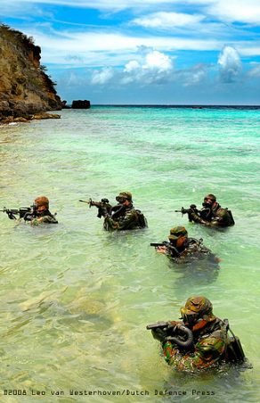 Dutch SF-operators train in the Caribbean