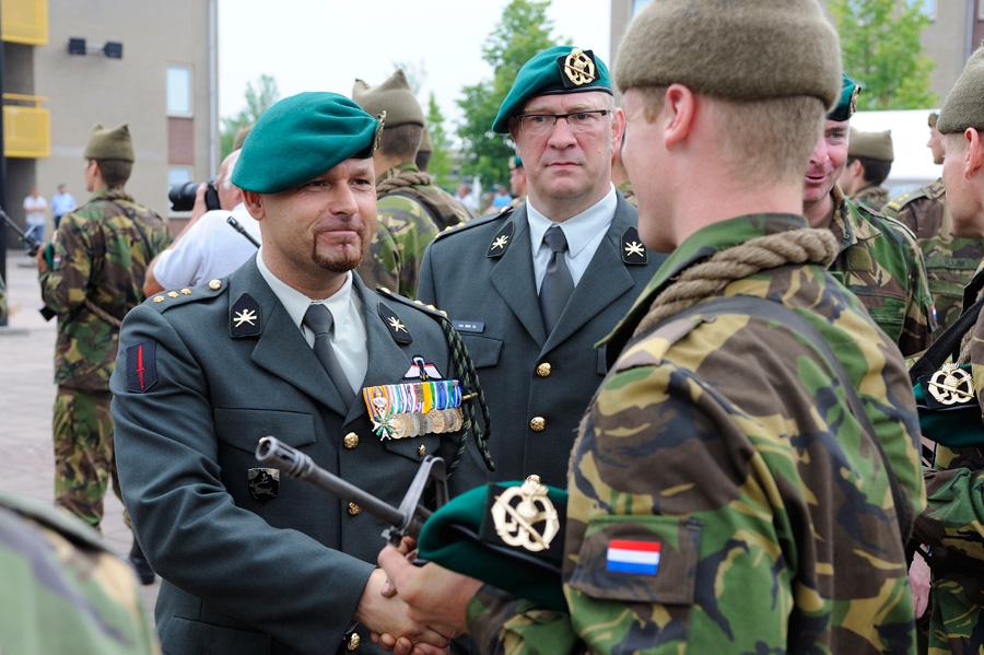 Commando�s verwelkomen nieuwe maten in hun midden