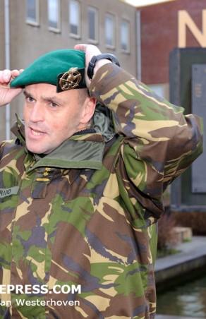Commandant KCT ontvangt groene baret