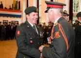 Eerste bronzen 'Gevechtsinsignes' uitgereikt
