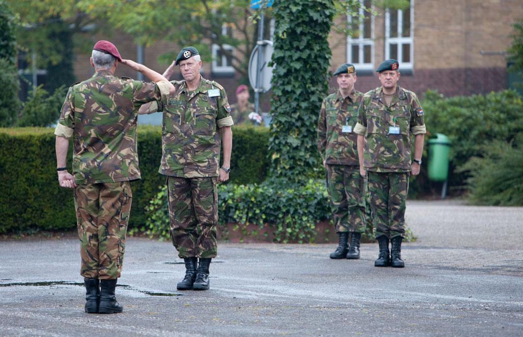 Rode baret voor nieuwe commandant luchtmobiele brigade