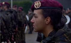 Jongste vrouwelijk rode baret