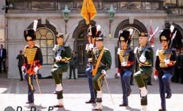 Grenadiers en Jagers herstellen vooroorlogse Haagse traditie in ere