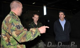 """Hoog bezoek voor KCT-operators tijdens SF-oefening """"Night Hawk 2011"""""""