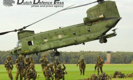 "Twee decennia Nederlandse Rode Baretten – 11 Luchtmobiele Brigade (Air Assault) ""7 December"""