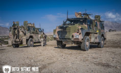 """Bushmaster, Australian """"Battle-Limousine"""" has Dutch soldiers covered in Afghanistan"""