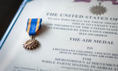 Gevechtsvliegers krijgen Amerikaanse Air Medal
